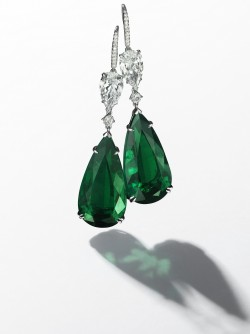 Christie's Geneva sold these Colombian emerald earrings for a record price