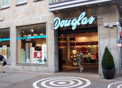 LVMH 'not in talks' with German retail family business Douglas